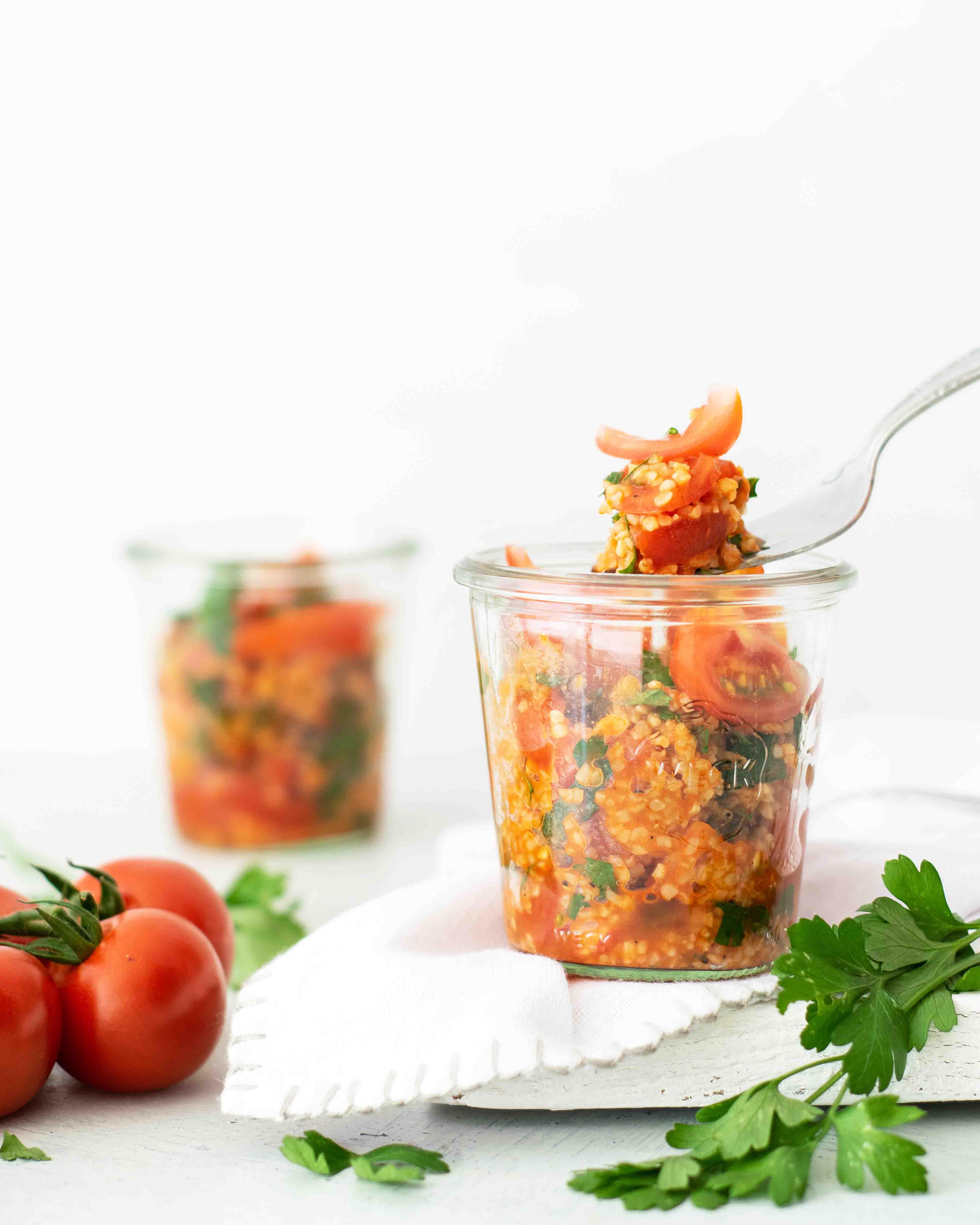 Scharfer Bulgur-Tomaten-Salat