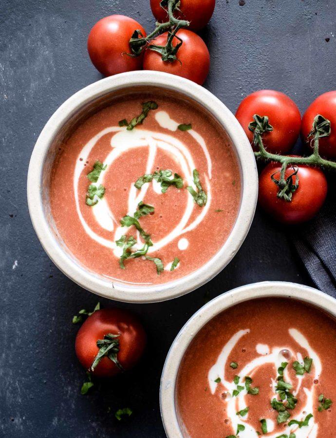 Vegane Tomatensuppe mit gebackenen Tomaten